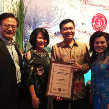 Bersama Bp. Indra Wijaya, Founder Asuransi  Sinarmas dan Ibu Dummasi MM Samosir, Marketing Director Asuransi Sinarmas